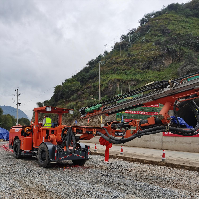 DW1-90轮胎式单臂凿岩台车-江西鑫通机械