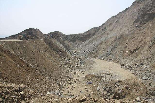 生态环境部调研组赴陕、川调研硫铁矿区和尾矿库污染治理