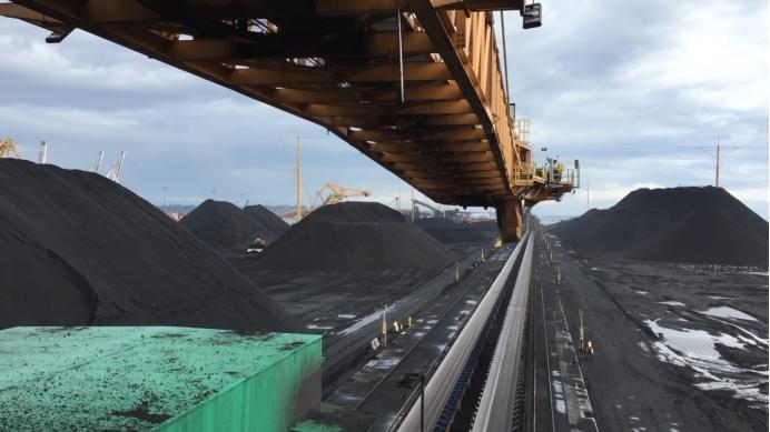 """澳煤炭滞留中国,船企公然""""甩锅""""!澳媒醒悟:不能再上美国的当"""